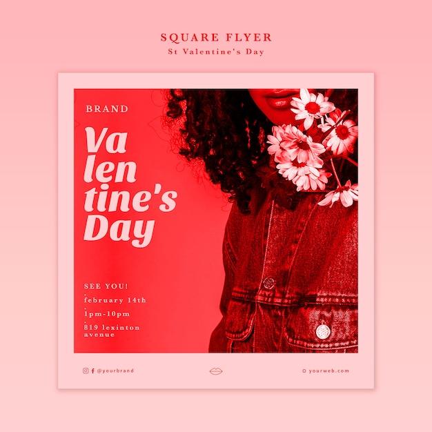 Valentijnsdag vrouw met bloemen flyer Gratis Psd