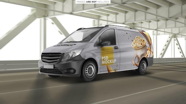 Van vehicle sul mockup esterno del ponte Psd Premium