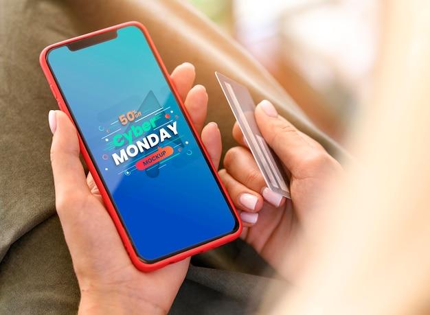 Venta de cyber monday en maqueta de teléfono inteligente PSD Premium