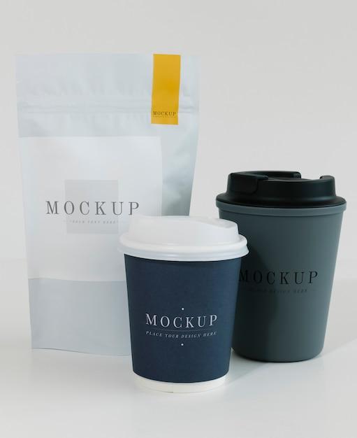 Verpakkingsmodel voor een koffiewinkel Gratis Psd