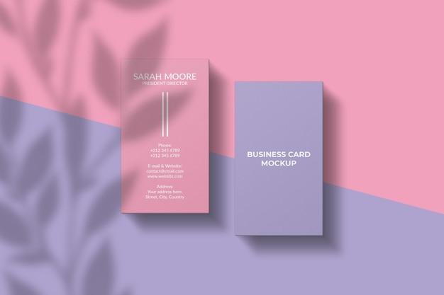 Verticaal visitekaartje mockup met schaduw overlay Premium Psd