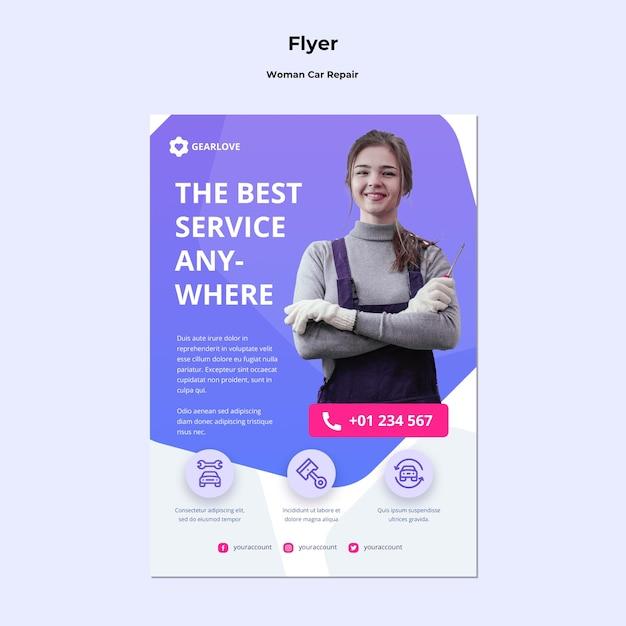 Verticale flyer voor vrouwelijke automonteur Gratis Psd