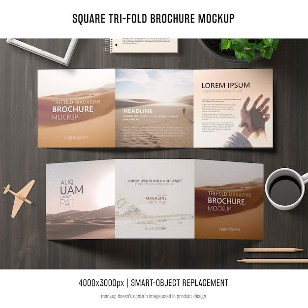 Vierkant gevouwen brochure mockup Gratis Psd