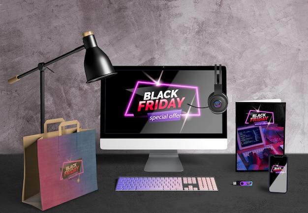 Viernes negro concepto de escritorio en escritorio PSD gratuito