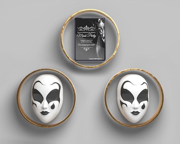 Vista frontal máscaras de carnaval en anillos de oro PSD gratuito