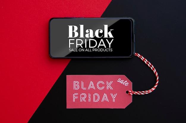 Vista superior de la maqueta del concepto de viernes negro con etiqueta de precio PSD gratuito