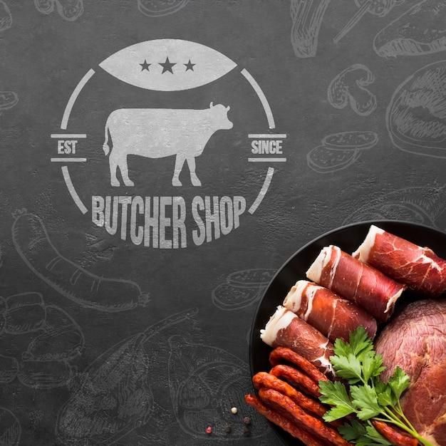 Vleesproducten met achtergrondmodel Gratis Psd