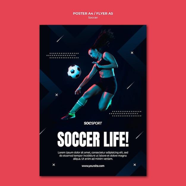 Voetbal poster sjabloon concept Gratis Psd