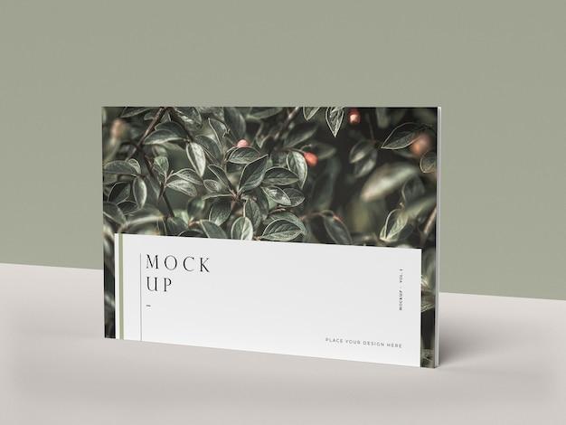 Vooraanzicht cover met natuur redactionele tijdschrift mock-up Gratis Psd