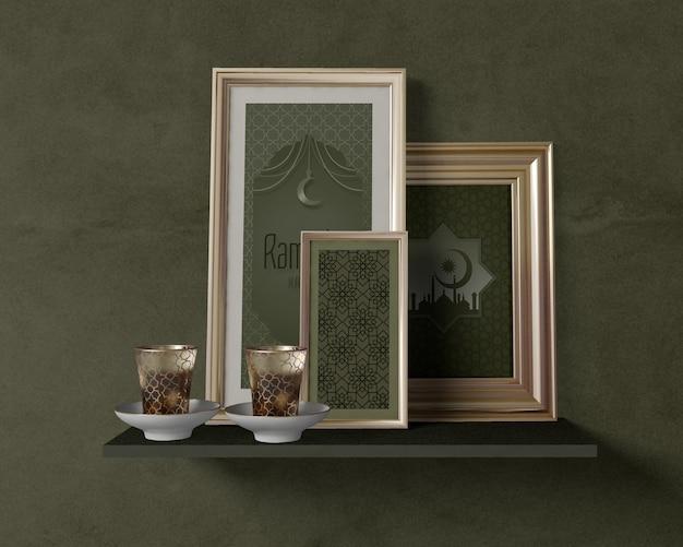 Vooraanzicht feestelijke ramadan regeling met frames mock-up Gratis Psd