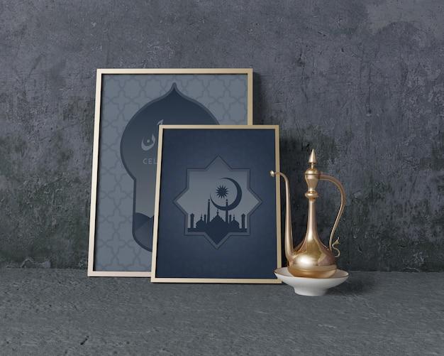 Vooraanzicht traditionele ramadan regeling met frames mock-up Gratis Psd