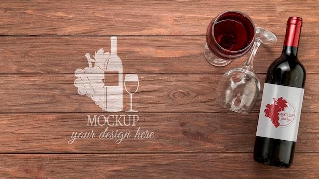 Vooraanzicht wijnfles mock-up met kopie-ruimte Gratis Psd