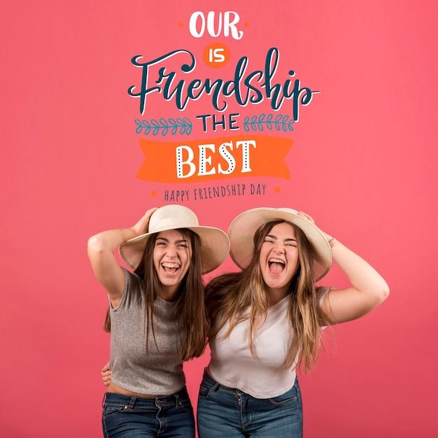 Vrienden plezier tijdens vriendschap dag Gratis Psd