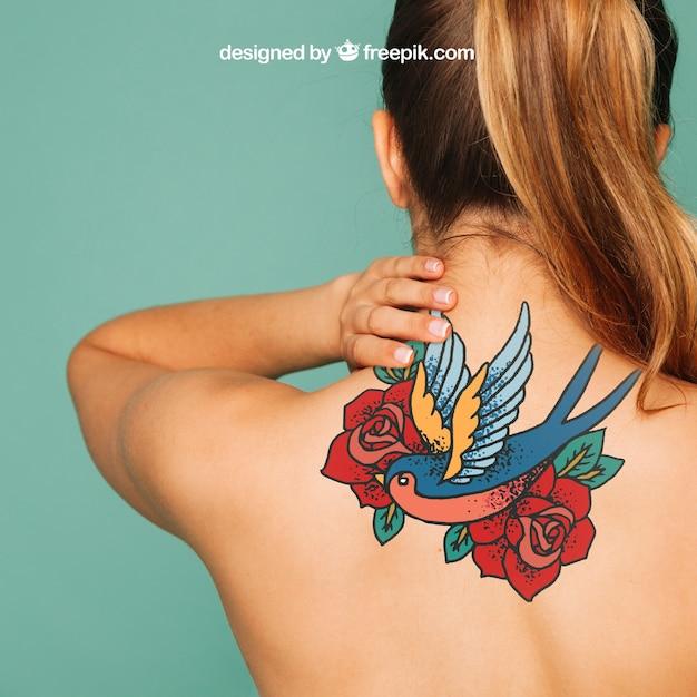 Vrouw mockup voor tattoo kunst op rug Gratis Psd