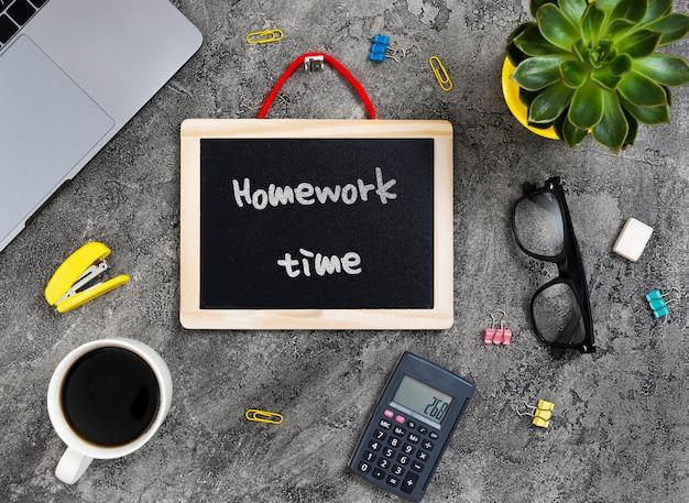 Werkplekconcept met schoolbord Gratis Psd
