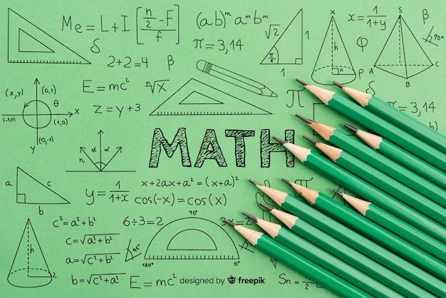 Wiskunde geometrie en formules met groene potloden Gratis Psd