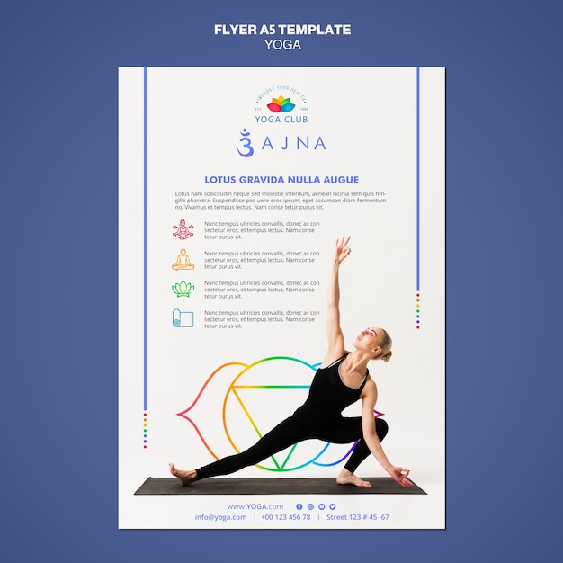 Yoga concept flyer sjabloon Gratis Psd