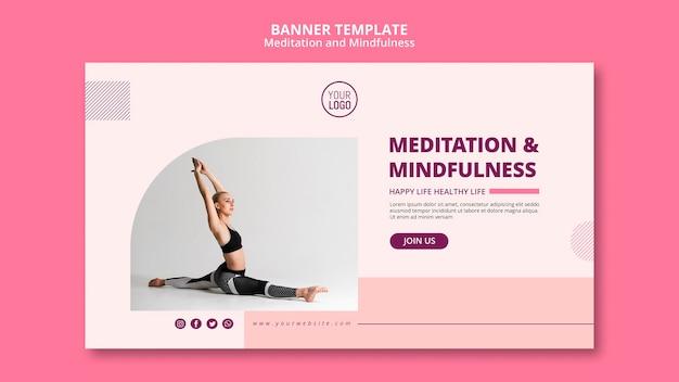Yoga positie meditatie en mindfulness banner Gratis Psd