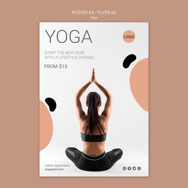 Yoga poster met vrouw mediteren Gratis Psd