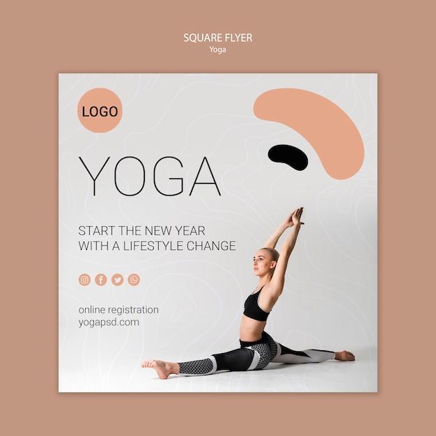 Yoga vierkante flyer met meisje die zich uitstrekt Gratis Psd