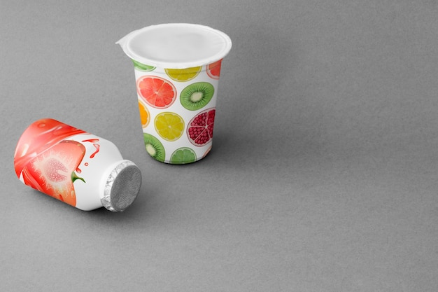 Yoghurt cup mockup Gratis Psd