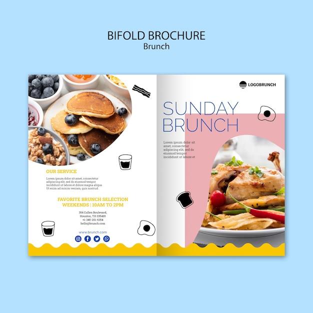 Zondag brunch eten tweevoudige brochure Gratis Psd