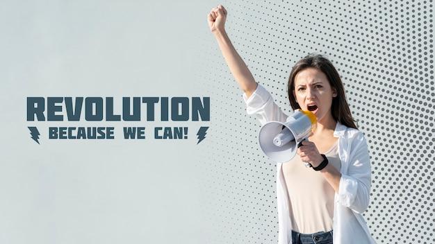 Activiste Criant à Travers Un Mégaphone Psd gratuit
