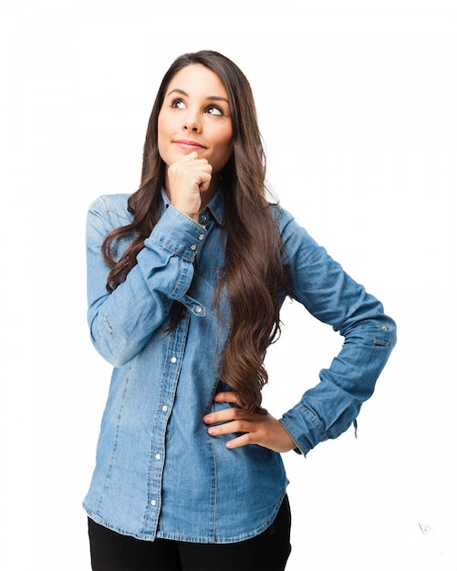 Adolescent pensive avec chemise en jean Psd gratuit