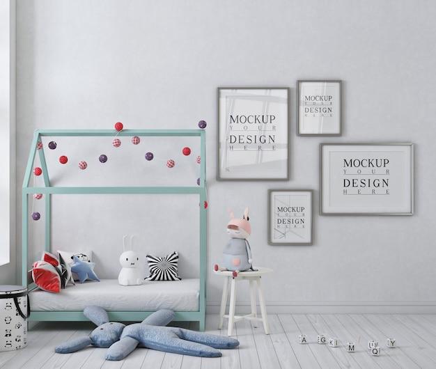 Affiche De Maquette Dans La Chambre D'enfant Blanche Avec Lit à Baldaquin PSD Premium