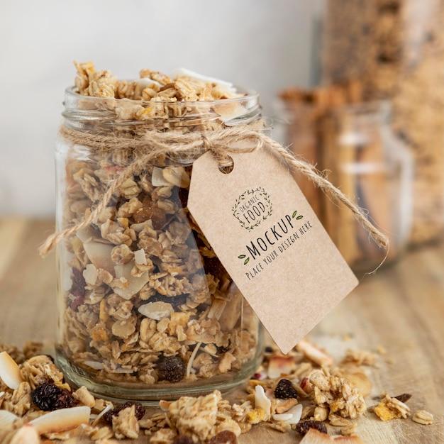 Arrangement De Céréales Pour Petit-déjeuner Avec Maquette D'étiquette Psd gratuit