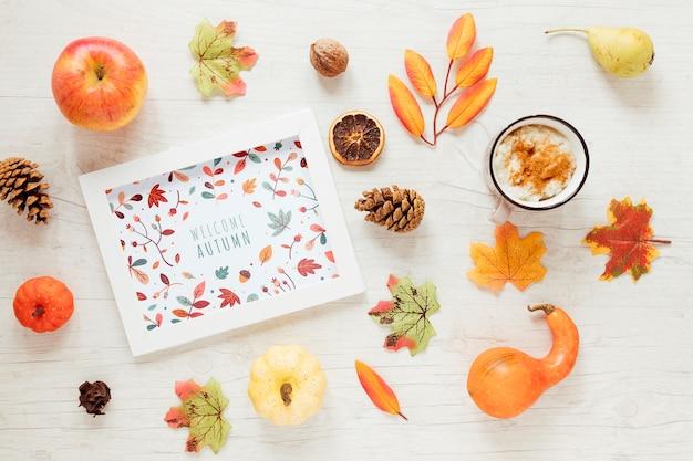 Arrangement de décor d'automne avec maquette Psd gratuit