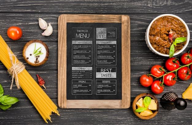 Arrangement Plat De Légumes Et De Pâtes Psd gratuit