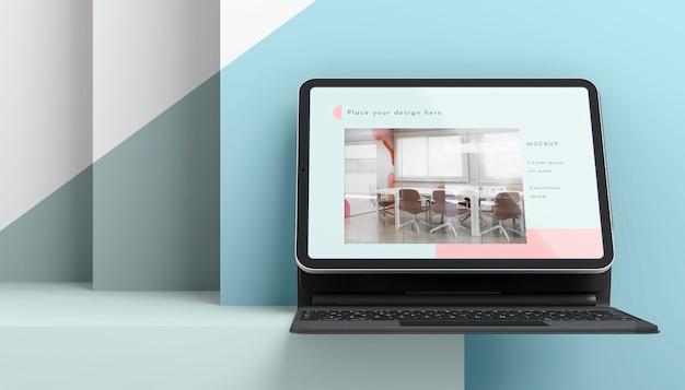Assortiment De Vue Avant Avec Tablette Et Clavier Attachés PSD Premium