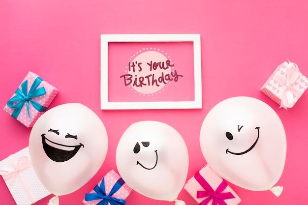 Ballons D'anniversaire Avec Cadre Blanc Psd gratuit