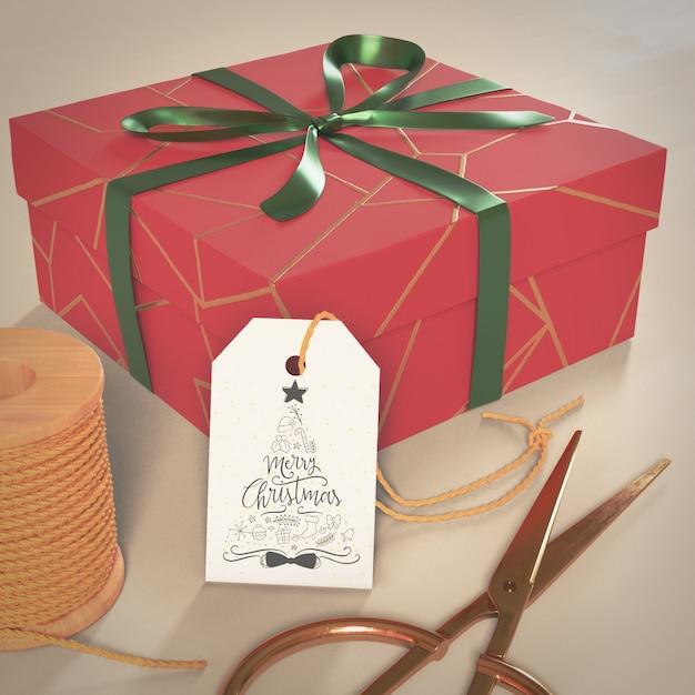 Boîte cadeau bix emballée pour noël Psd gratuit