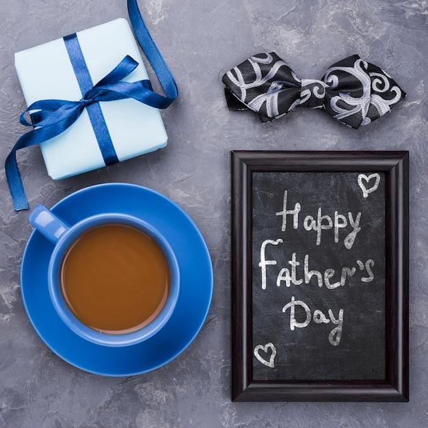 Bonne Fête Des Pères Avec Cadre Et Tasse à Café Psd gratuit