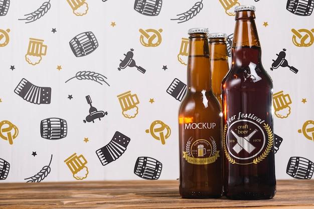 Bouteilles de bière vue de face avec espace de copie Psd gratuit