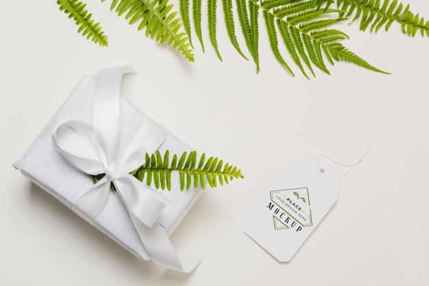 Cadeau Plat Plat Blanc Avec étiquette De Maquette Psd gratuit