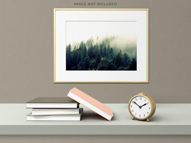 Cadre D'affiche De Maquette Dans Le Cadre En Bois Vide Debout Sur Un Intérieur Moderne De Salon. Psd gratuit