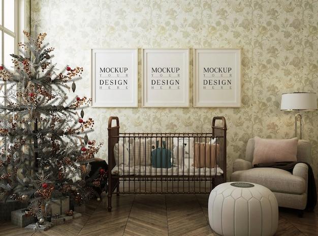 Cadre D'affiche De Maquette Dans La Chambre D'enfant Avec Arbre De Noël Et Décoration PSD Premium