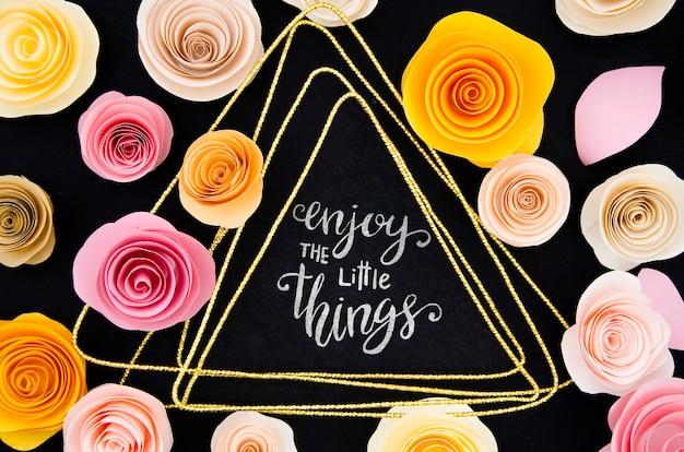 Cadre De Roses Colorées Avec Message Psd gratuit