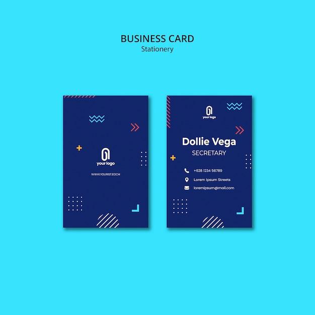 Carte De Visite Avec Un Design Bleu Et Des Formes Psd gratuit