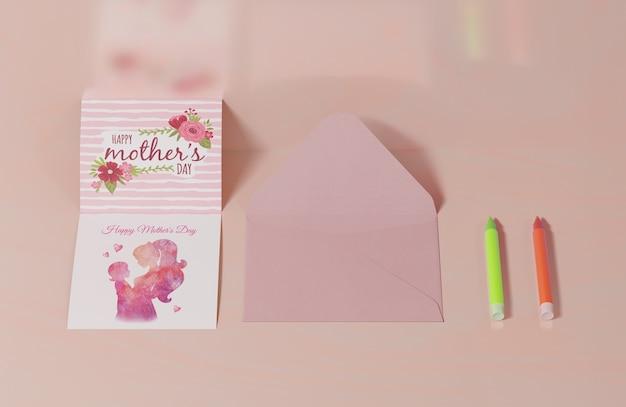 Carte De Voeux Gros Plan Fête Des Mères Avec Enveloppe Psd gratuit