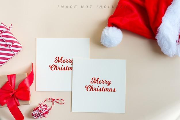 Cartes De Maquette De Félicitations De Noël Avec Chapeau Rouge Du Père Noël PSD Premium