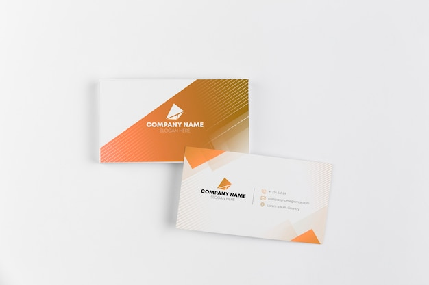 Cartes De Visite Sur Table Psd gratuit