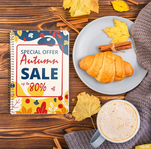 En-cas d'automne et café offert en maquette Psd gratuit