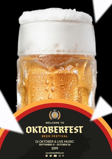 Chope à Bière Oktoberfest Avec Mousse Psd gratuit