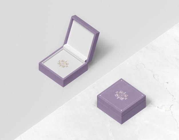 Coffret Cadeau Violet Avec Couvercle Psd gratuit