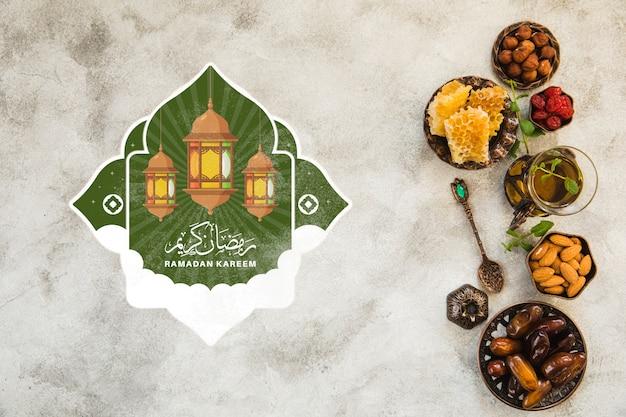 Composition de ramadan à plat avec fond Psd gratuit