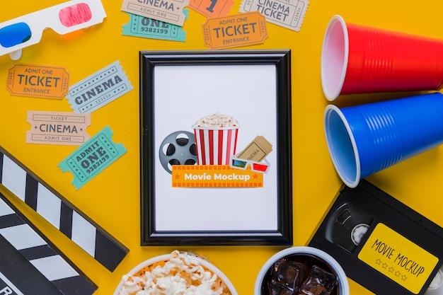 Concept De Cinéma Plat Avec Des Billets Psd gratuit